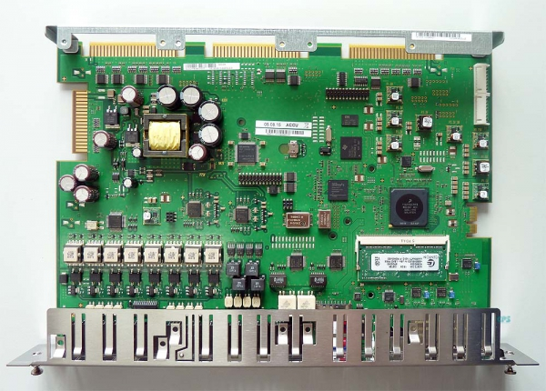 Unify OCCMR UC-Mainboard with V2 License for X3R/X5R S30810-Q2959-Z Refurbished